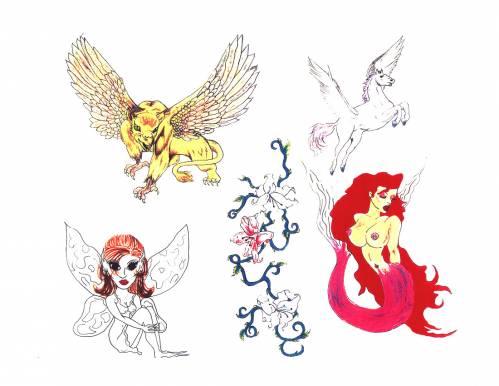 18 фото маленьких женских татуировок