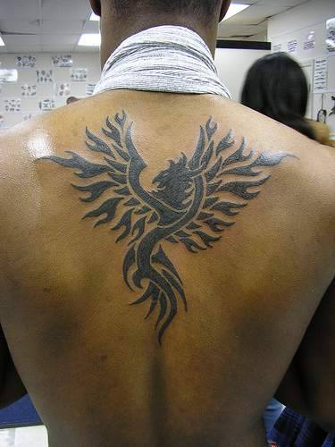 Татуировка орел на спине