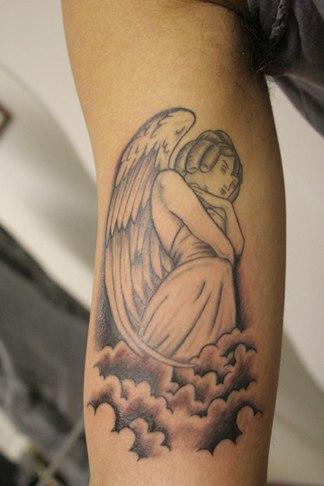Татуировки на руке для девушек ангелов