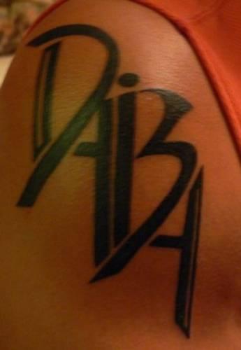 Татуировки с надписью love эскизы